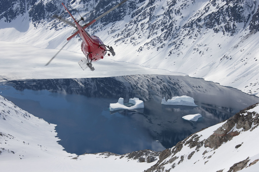 Хелиски и хелибординг с Хелипро в Гренландии. Heliskiing and Heliboarding with Helipro in Greenland.