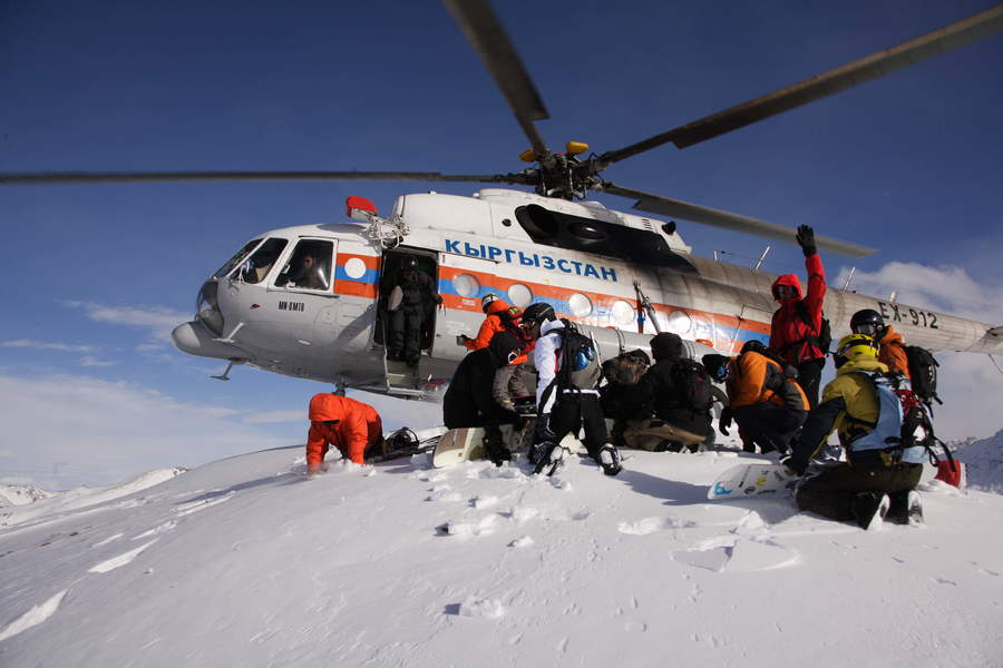 Хелиски и хелибординг с Хелипро, Киргизия. Heliskiing and Heliboarding with Helipro, Kyrgyzstan